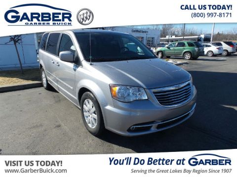 Pre-Owned 2015 Chrysler Town & Country Touring FWD Minivan
